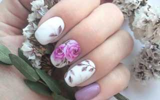 Маникюр с цветочками и блестками: маникюр, фото дизайна ногтей
