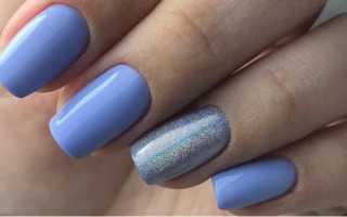 Аккуратный маникюр с цветочком в голубом цвете: маникюр, фото дизайна ногтей