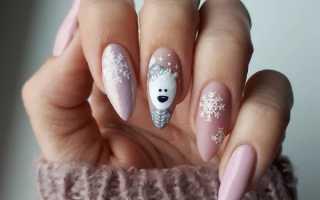 Бледно-голубой маникюр с большими снежинками: маникюр, фото дизайна ногтей
