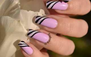 Аккуратные полоски на белоснежном шеллаке: маникюр, фото дизайна ногтей