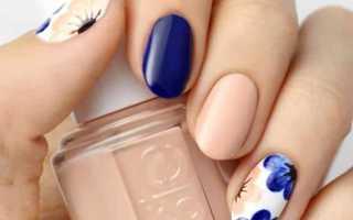 Одуванчик на бежевых ногтях: дизайн с фото