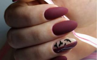 Маникюр матовый розовый с пером: маникюр, фото дизайна ногтей