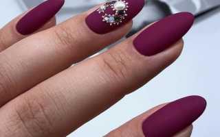 Стильные ногти со стразами: дизайн с фото