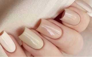 Цветочек из бульонок на длинных бежевых ногтях: дизайн с фото