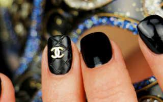 Chanel наклейки на белом лаке: маникюр, фото дизайна ногтей