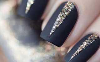 Черный новогодний маникюр с серебряными звездами: маникюр, фото дизайна ногтей