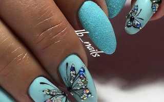 Ярко-синий маникюр с бабочкой: маникюр, фото дизайна ногтей
