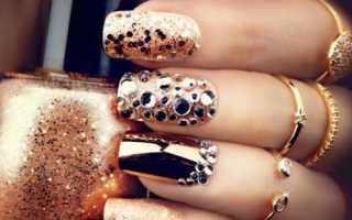 Золотые украшения на матовых ногтях: маникюр, фото дизайна ногтей