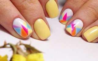 Маникюр желтый с листвой: маникюр, фото дизайна ногтей