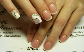 Красивые цветы на бежевых длинных ногтях: дизайн с фото
