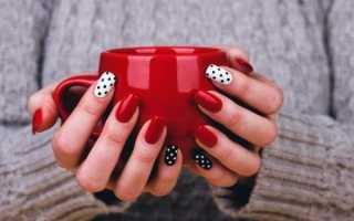 Лунный френч чёрного цвета в горошек: маникюр, фото дизайна ногтей