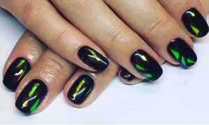 Битое стекло на чёрных блестящих ногтях: маникюр, фото дизайна ногтей