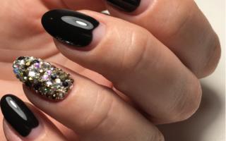 Аккуратные чёрные ногти: маникюр, фото дизайна ногтей