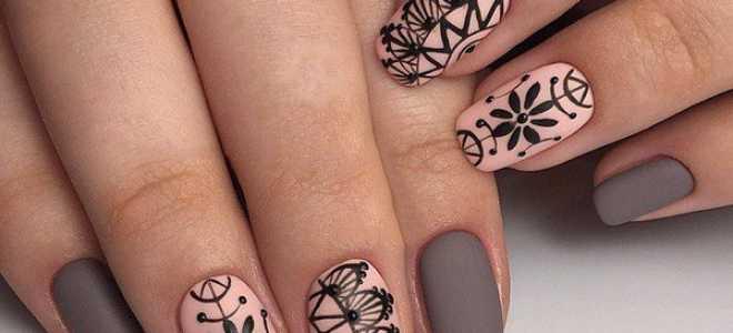 Серебряный стемпинг на чёрном шеллаке: маникюр, фото дизайна ногтей