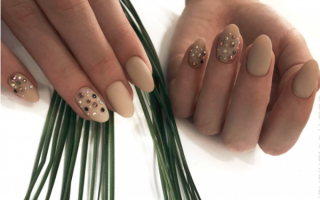Френч со стразами на длинные ногти: маникюр, фото дизайна ногтей
